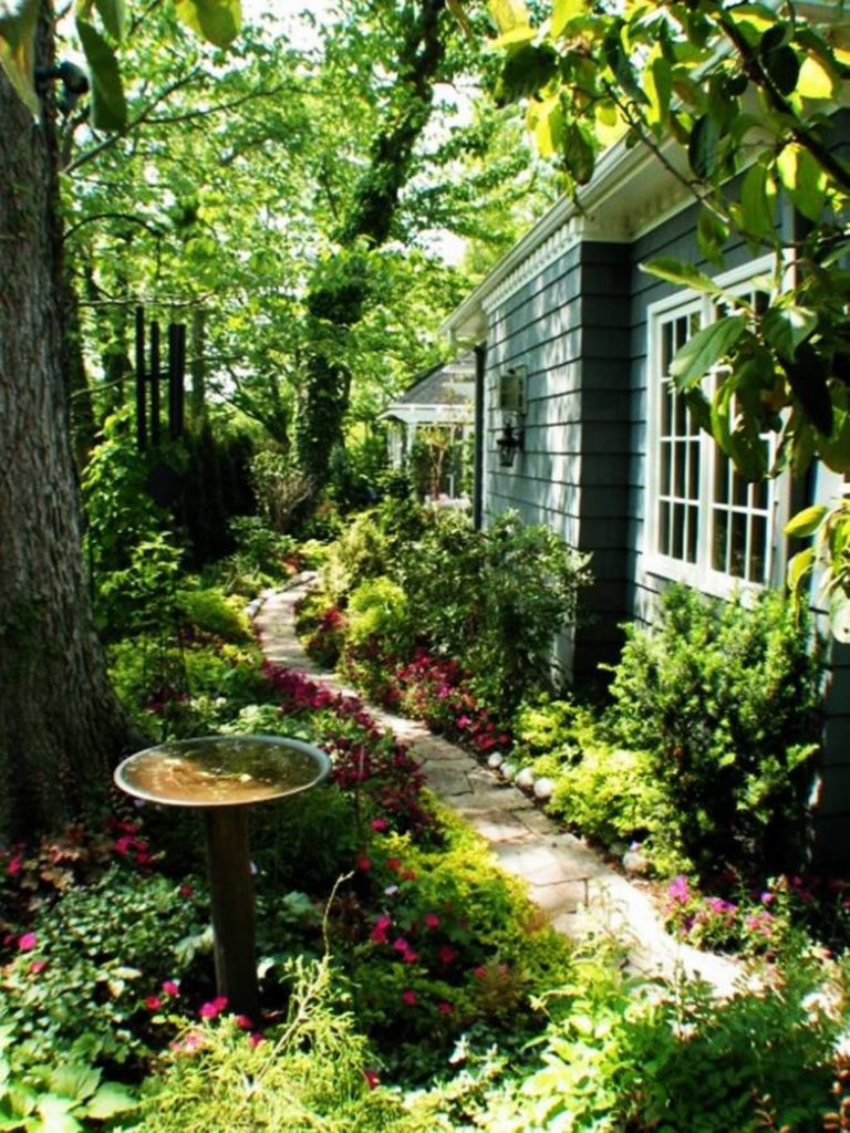 backyard-garden-path