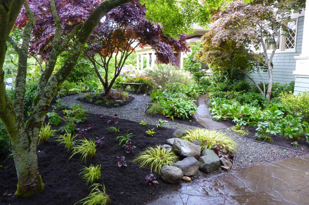 front-yard-landscaping-walkway