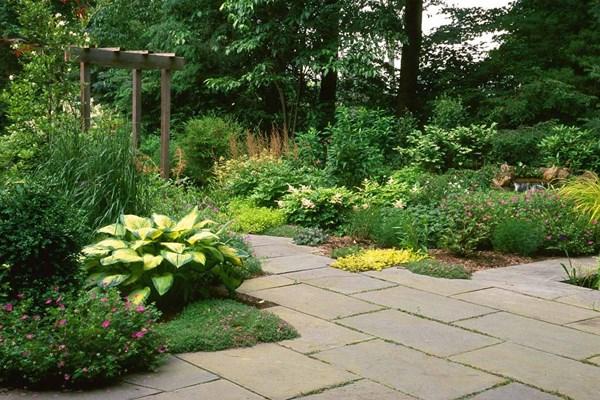 green-garden-walkway-slate-pathway