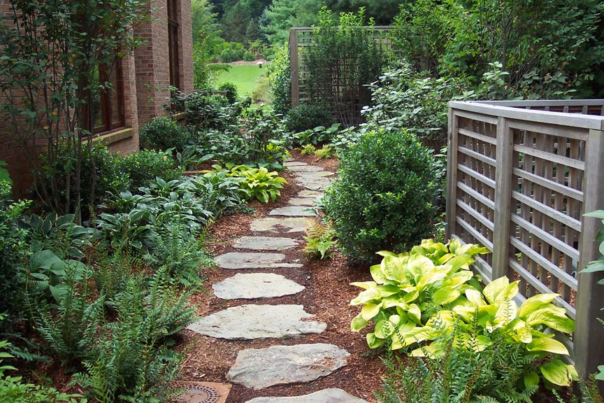 low-maintenance-garden-walkway